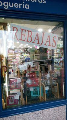 Perfumería Antonio en la Avenida Antonio Hurtado de Cáceres ahora en rebajas